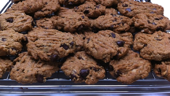 Gluten-Free Peanut Butter Chocolate Chip Oatmeal Cookies