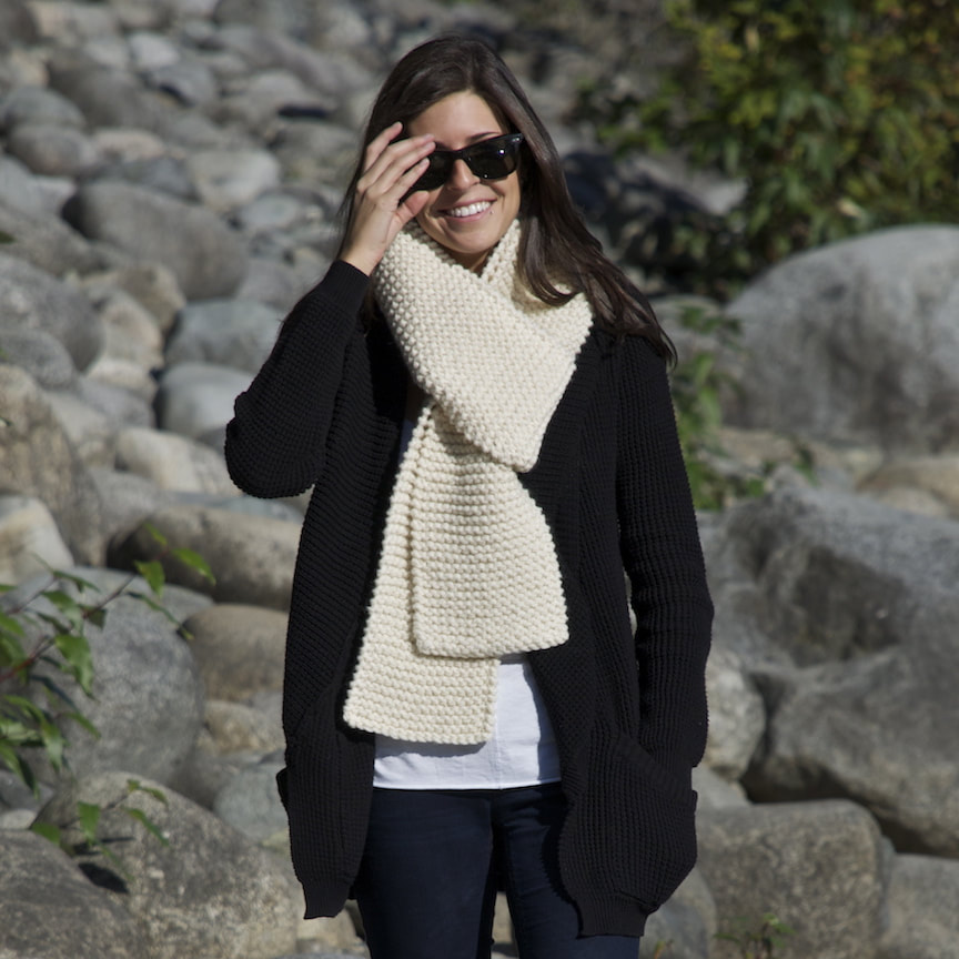 AMIS hand knit wool scarf natural colour