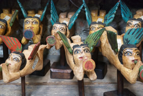 Guatemalan hand carvings found in marketplace