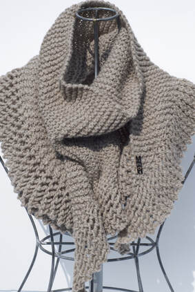 PHIN scarf hand knit in Peruvian highland wool in putty