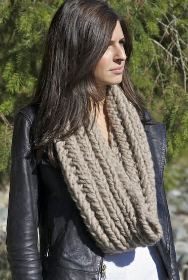RIVA Grande wool infinity scarf sand