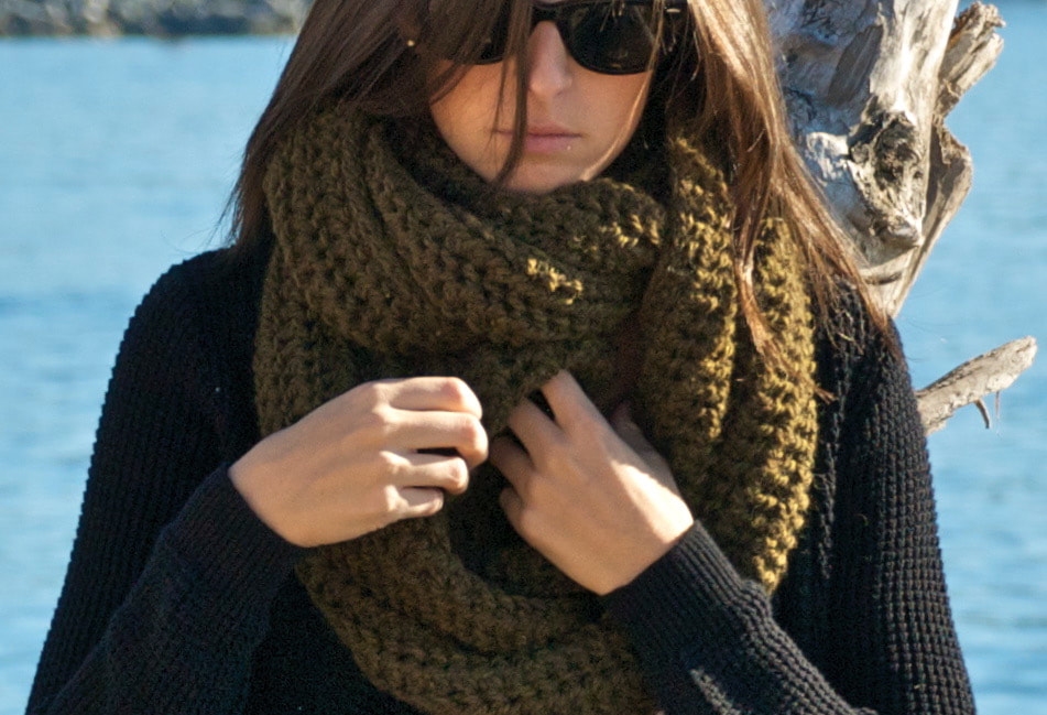 JULES hand knit wool infinity scarf olive drab