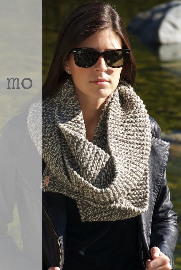 Mo wool scarf two-tone twist color
