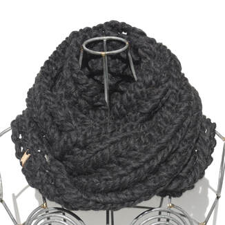 RIVA GRANDE cowl hand knit in Peruvian wool in charcoal