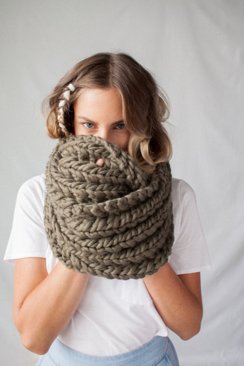 RIVA GRANDE hand knit wool infinity scarf in dried sage
