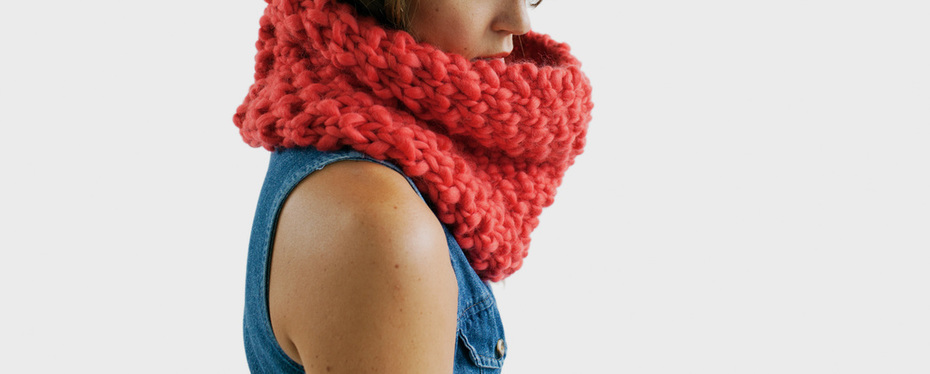 HUXLEY hand knit cowl in poinsettia wool